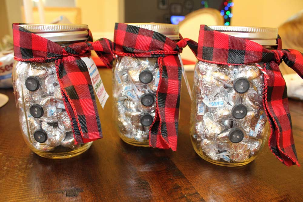 Diy Snowman Mason Jar Gift Idea For Everyone On Your List
