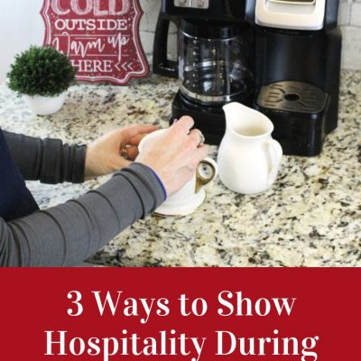 3 Ways to Show Hospitality to Guests at the Holidays