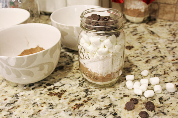 Homemade Hot Cocoa Jars + FREE Gift Tag Printable