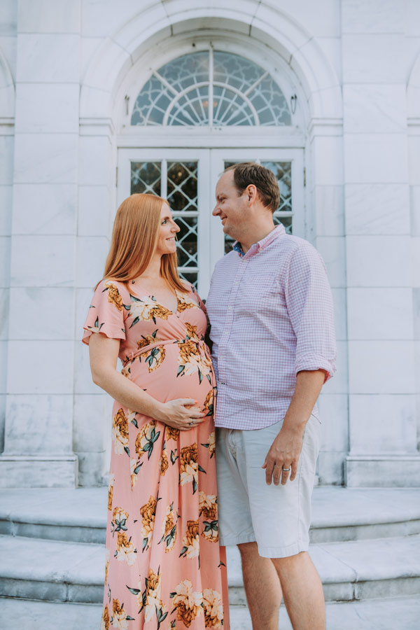 Choosing the Perfect Maternity Photo Outfits
