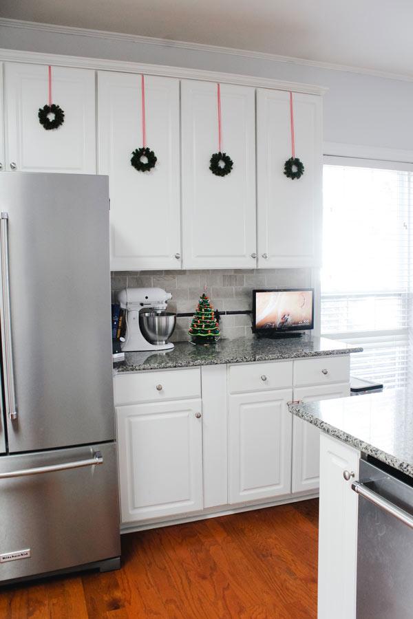 Festive Christmas Kitchen Decor