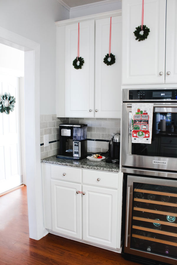 Festive Christmas Kitchen Decor
